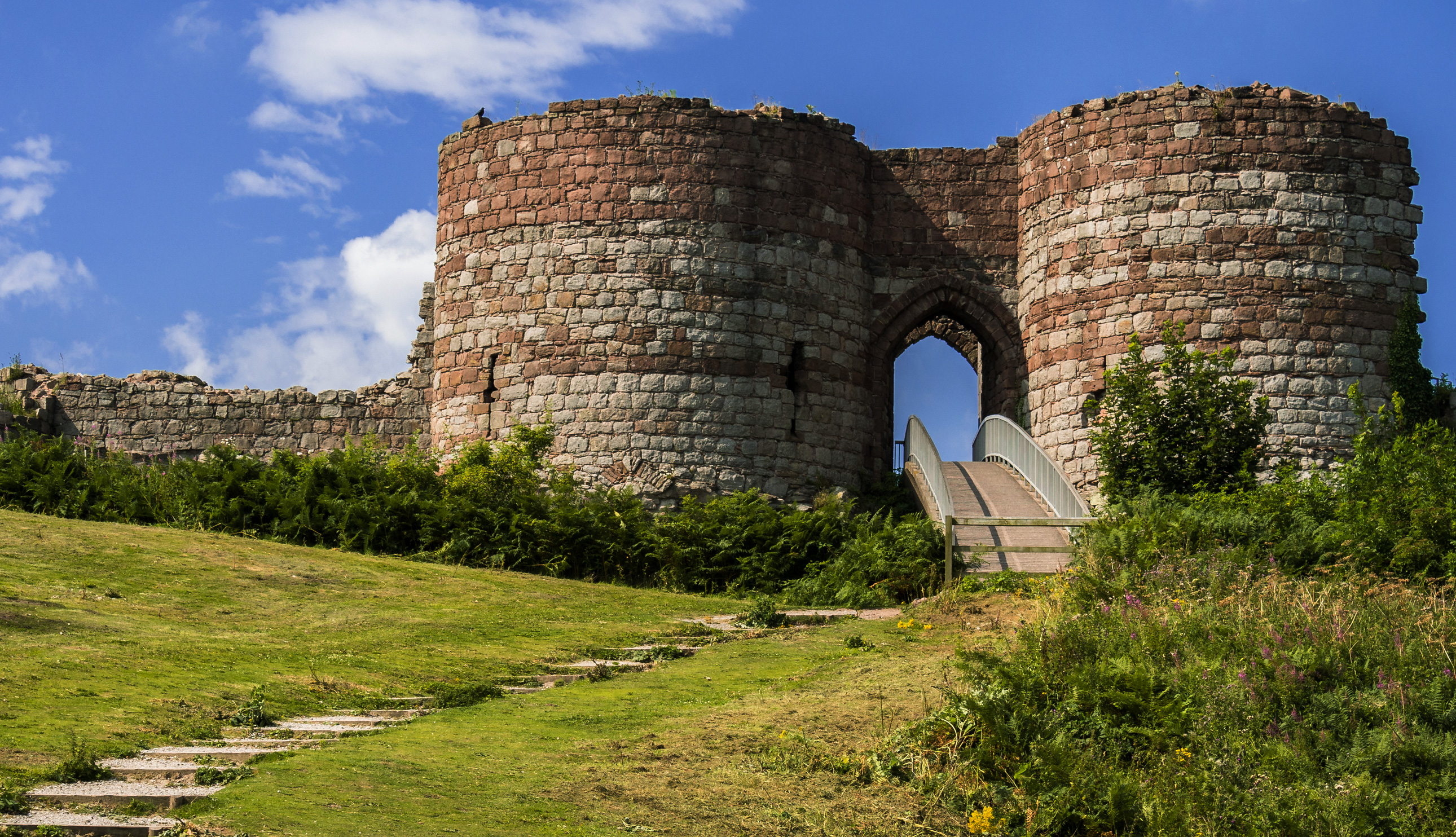 Beeston Castle on the Sandstone Trail